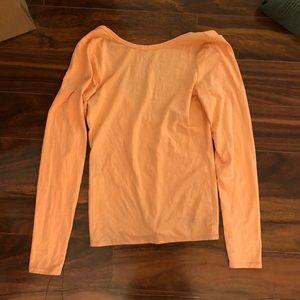 🦊 VS orange peach top with scoop back